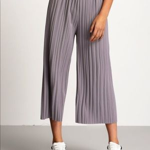 Grey pleated pants